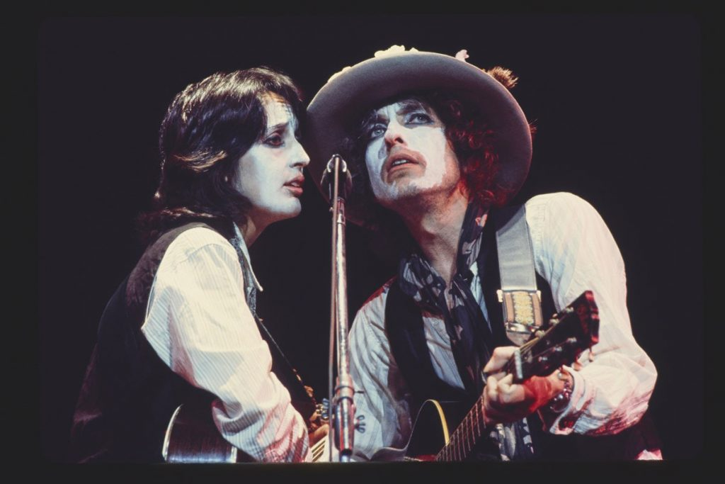 ROLLING-xxxxTHUNDER-REVUE-A-BOB-DYLAN-STORY-BY-MARTIN-SCORSESE